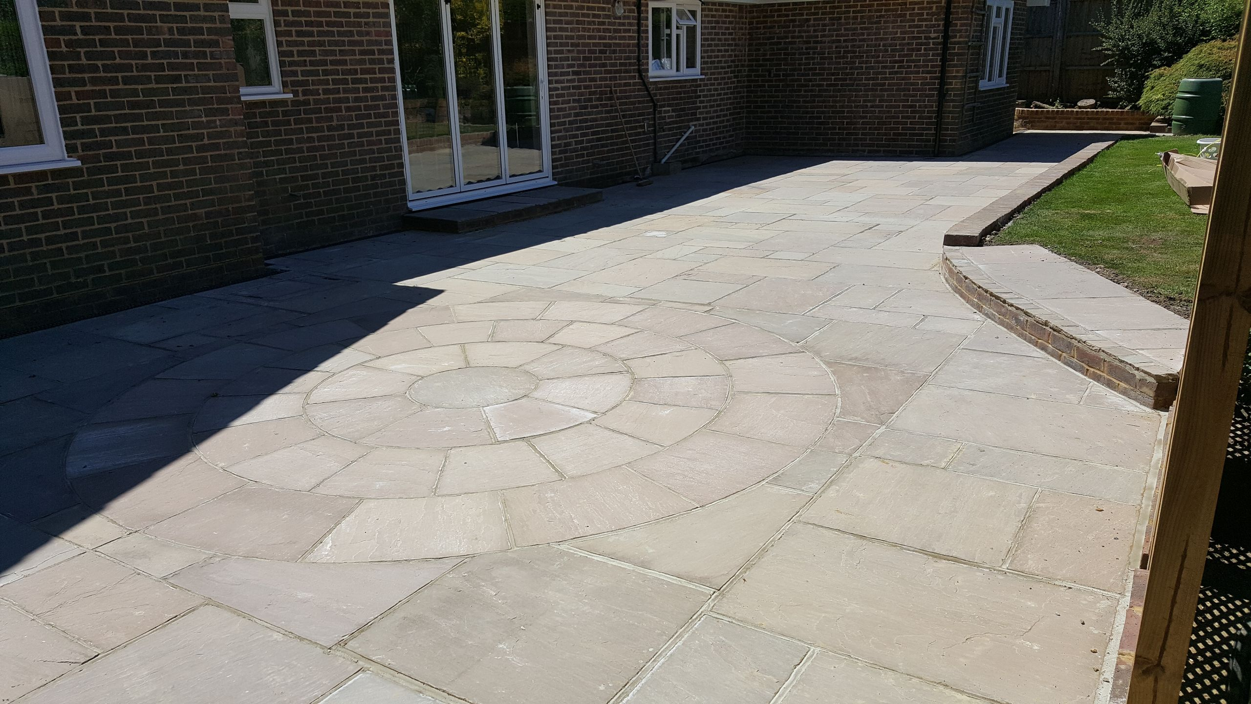 New Patio with circle wheel effect in Horsham area